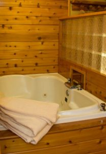 Knotty Pines Cabin Suite Mountaintop Lodge
