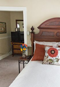 Poconos Guest Room Mountaintop Lodge