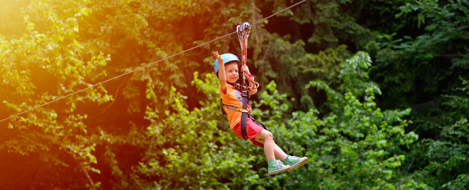 Small Child zip lines in the pocono mountains